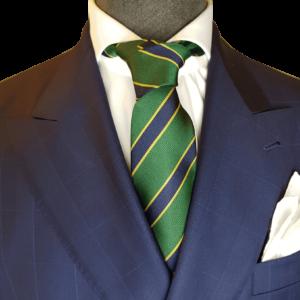 Grüne Krawatte mit blaue Streifen